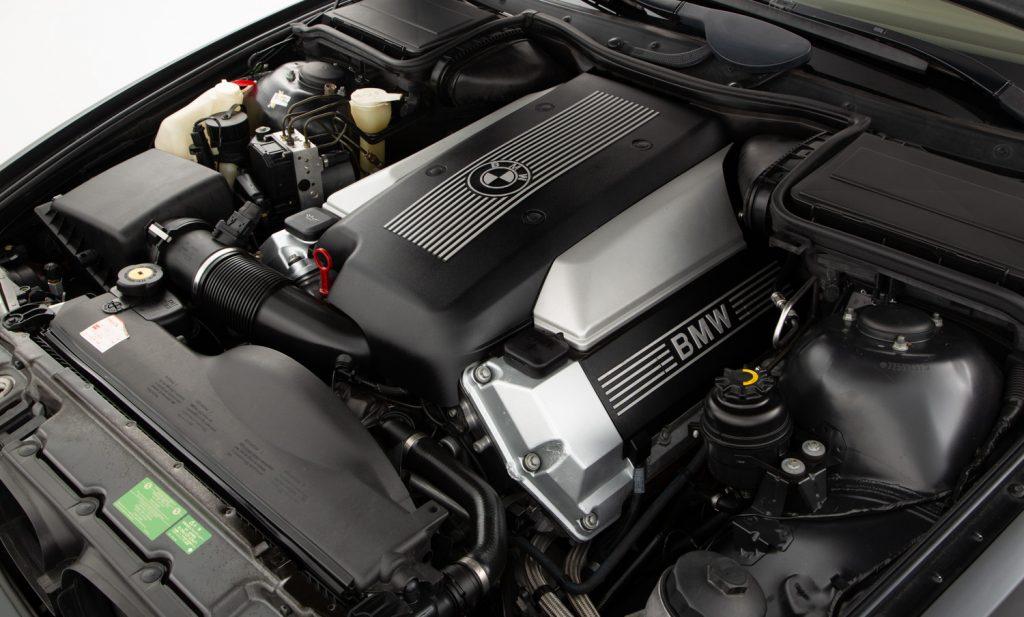 BMW 540i Sport For Sale - Engine and Transmission 2